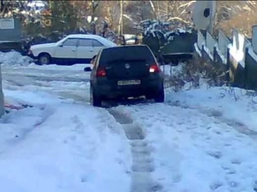 Езда по льду на неровной дороге