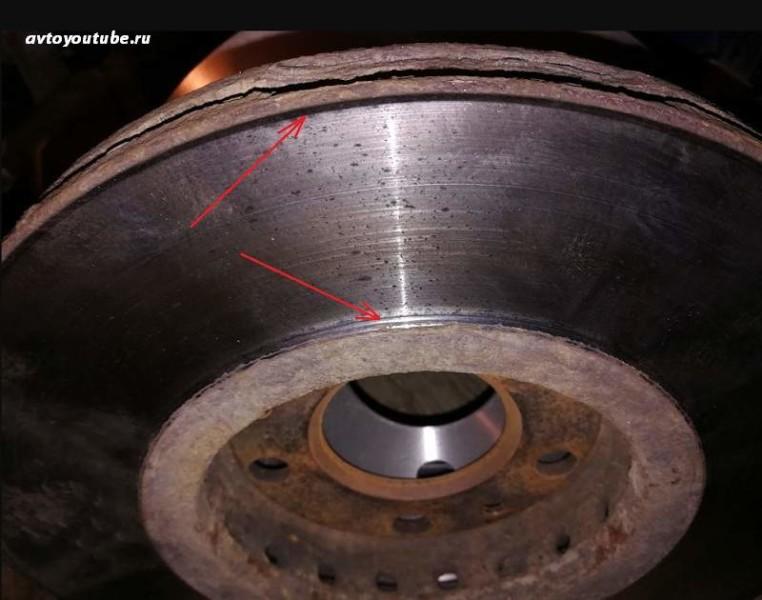 Износ тормозного диска может быть причиной скрипа тормозов