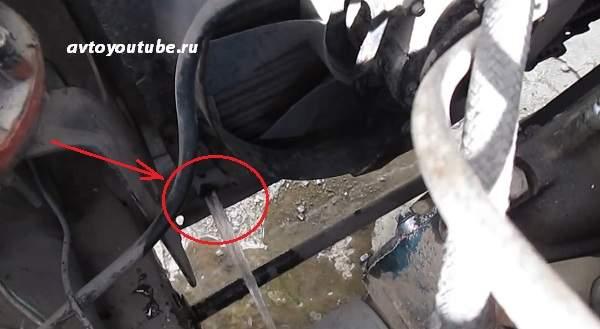 Как слить охлаждающую жидкость из радиатора ваз 2107