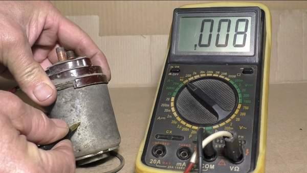 Как проверить удерживающую обмотку реле стартера мультиметром