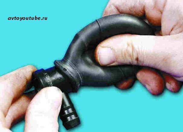 Проверка обратного клапана вакуумного усилителя тормозов