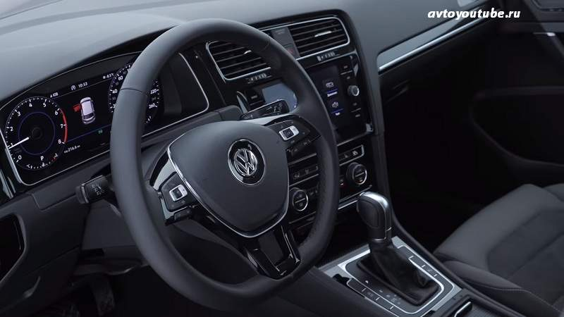 Руль нового Volkswagen Golf 2019