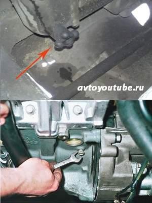 Закручиваем пробки на радиаторе и блоке цилиндров перед заменой охлаждающей жидкость в ВАЗ 2101-07